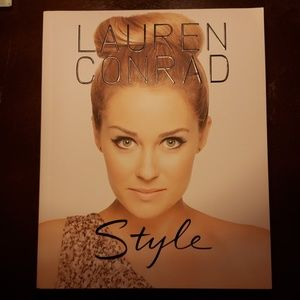 LC Book, Style
